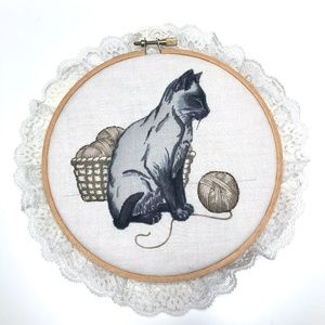 Vintage Handmade 3D Cat Lace Trim Embroidery Hoop